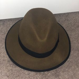 Army green fashion hat